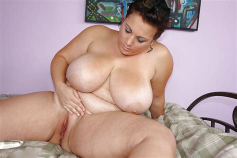 Mouth Watering Juggs 58 Pics