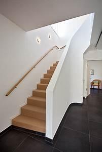 Offenes Treppenhaus Schließen Schiebetür : die besten 17 ideen zu treppenhaus auf pinterest treppenaufgang hausbau ideen und treppen ~ Buech-reservation.com Haus und Dekorationen