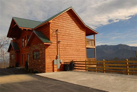 luxury cabins in pigeon forge pigeon forge cabin pigeon forge and gatlinburg luxury