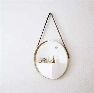 Miroir Rond Suspendu : les 25 meilleures id es de la cat gorie miroir suspendu sur pinterest petits miroirs crochets ~ Teatrodelosmanantiales.com Idées de Décoration