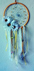 40 DIY Beautiful And Unique Dream Catcher Ideas - Bored Art