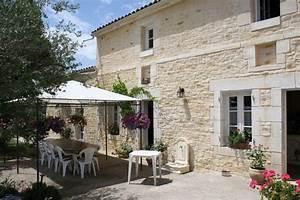 maison piere trendy maison pierre tuiles et poutres lume With maison bois et pierre 7 galerie de photos apmaq