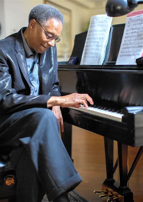 beloved chicago jazz pianist ramsey lewis marks