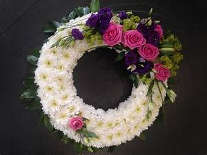 The Florist Loughton | Funeral Flowers >> Wreaths