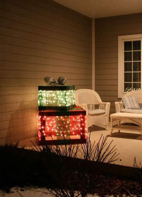 creative outdoor christmas light ideas  christmas tree