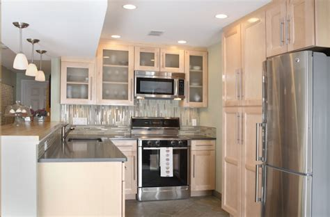 mixing gray  beige   kitchen shining  design