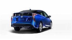 Toyota Prius Versions : prius 4 version eco fuite de l 39 image sur le site officiel toyota ~ Medecine-chirurgie-esthetiques.com Avis de Voitures