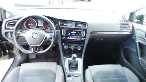 interieur golf 7 confortline volkswagen golf 7 2 0 tdi 150 fap bluemotion technology confortline occasion 224 lyon s 233 r 233 zin