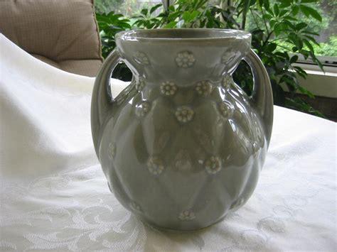 shawnee pottery vase usa  problem  ruby lane