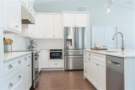 white kitchen cabinets with floors tile kitchen floor white cabinets amazing tile 2074