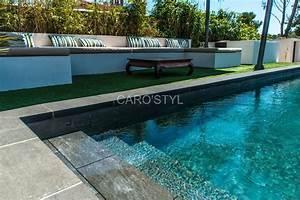 Carrelage Tour De Piscine : carrelage le maurice black pour votre piscine ~ Edinachiropracticcenter.com Idées de Décoration