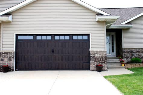 Garage Door Style Windows by Garage Door Pictures Before After Images