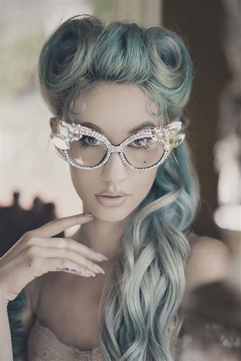 'granny Hair Trend Young Women Are Dyeing Their Hair