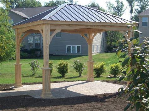 hampton pavilion wood berlin gardens  metal