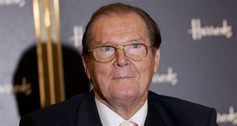 roger moore passed away roger moore dead james bond actor passes away at 89 from