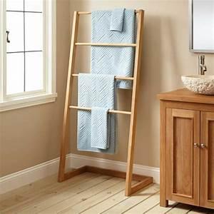 Echelle En Bois Déco : porte serviette bois mural chelle ou sur pied en 45 id es ~ Dailycaller-alerts.com Idées de Décoration