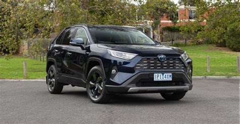 With efficient performance, superior safety & ultimate convenience, this practical compact suv will definitely enhance your drive. 2019 Toyota RAV4 Cruiser Hybrid AWD review | CarAdvice