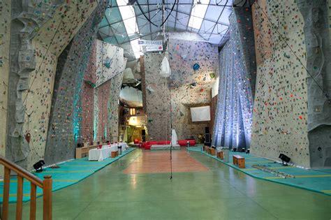 salle d escalade toulon 100 images mur de lyon la salle d escalade de lyon rh 244 ne alpes
