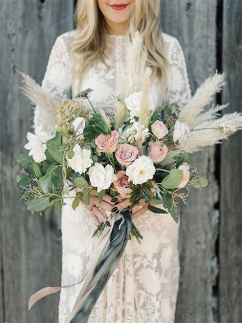 wedding flower trend  love pampas grass