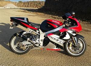 Suzuki Gsxr 1000 K2 In Rare Red  U0026 Black