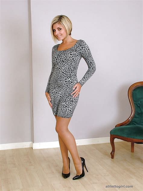 Clothed Milf Slut Naomi Is Taking Part In A Non Nude