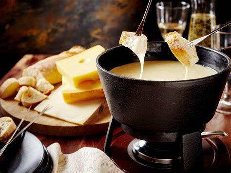 fondue savoyarde recette de fondue savoyarde marmiton
