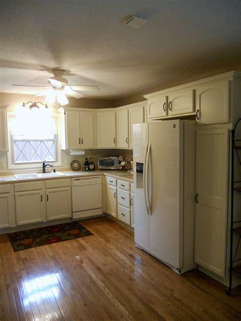 painting interior of kitchen cabinets antique white kitchen interior designs ideas 7328