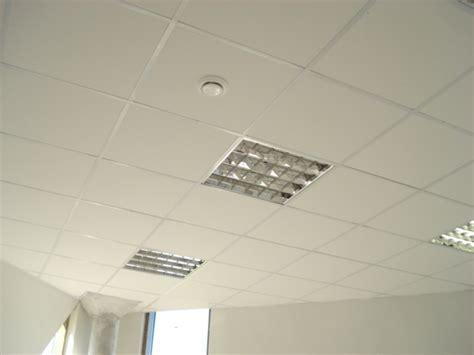 comment fixer le lambris au plafond travaux de renovation 224 haute garonne soci 233 t 233 ws