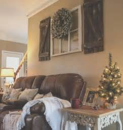 Rustic Living Room Wall Decor Ideas by 25 Best Ideas About Above Couch On Pinterest Mirror