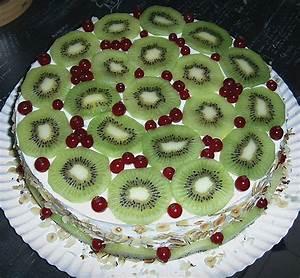 Torte Mit Erdbeeren : kiwi torte mit erdbeeren rezept mit bild von ~ Lizthompson.info Haus und Dekorationen