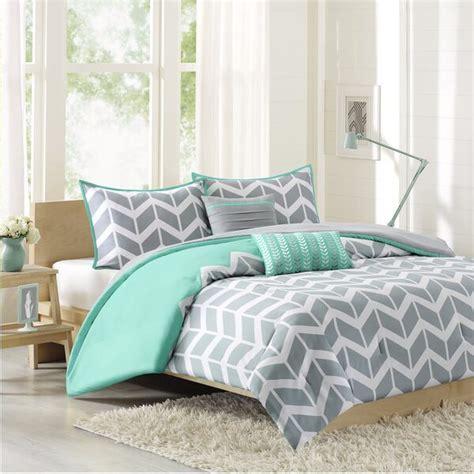 coverlet vs comforter difference between duvet vs comforter overstock