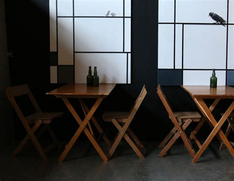 houten horeca tafels vintage houten klaptafels terrastafels bistro tafels