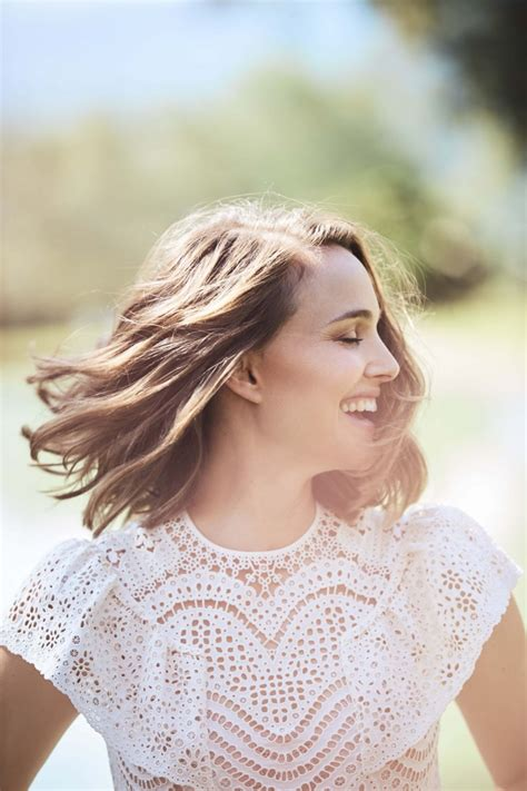 Natalie Portman Charms Chic Styles For Elle South