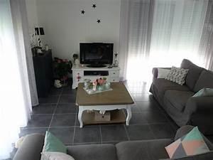 Salon Gris Blanc : salon gris blanc et noir photo 3 11 nouveaux rideaux leroy merlin ~ Dallasstarsshop.com Idées de Décoration