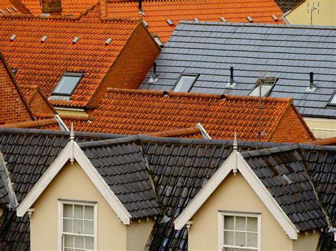 Kādu jumta segumu labāk izvēlēties Latvijas klimatiskajiem ...