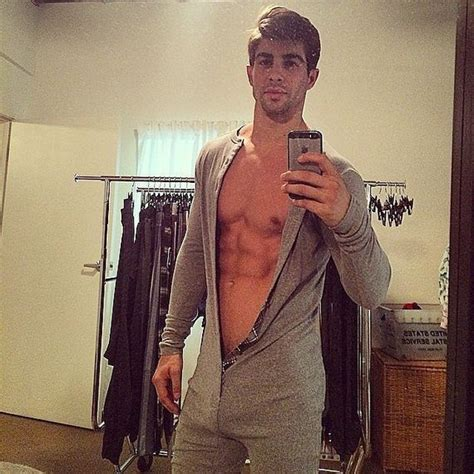 The Hottest Man Selfies Of Will Make You Pass Out