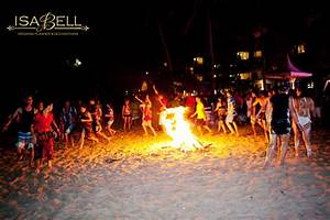 hawaii beach bubble wedding party for group vacation ...