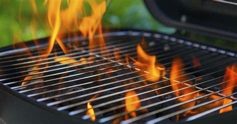 bac à graisse cuisine 10 astuces pour nettoyer facilement barbecue cuisine az