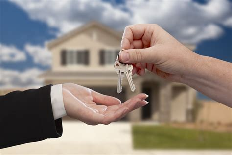How To Choose The Right Lender For Your Home Loan
