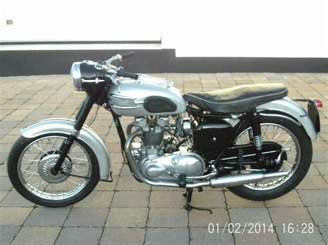 ... Motorcycles/1967-triumph