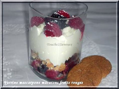 recette de verrine mascarpone fruits rouges macaron