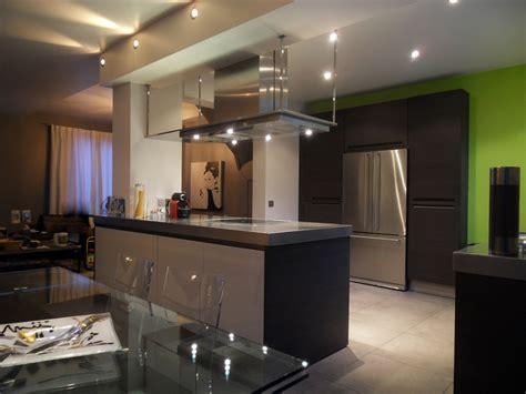 cuisine avec poteau au milieu une cuisine aux contraintes maîtrisées inspiration