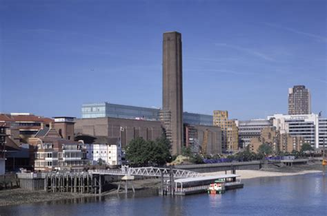 tate modern gallery evacuated daily