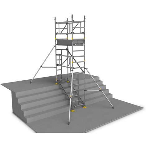travailler en cuisine location echafaudage aluminium d 39 escalier 6 m 1 plateau