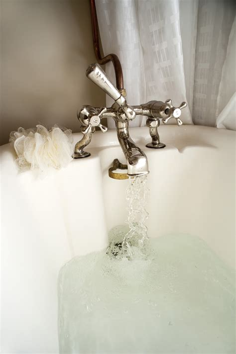 stock photo  running  bath freeimageslive