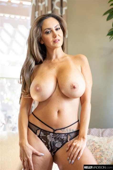 busty milf ava addams gets fucked after shopping the boobs blog