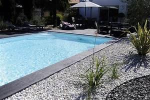 abords de piscine quel revetement choisir travauxcom With comment amenager sa piscine 3 abord piscine bois et autres materiaux photos d