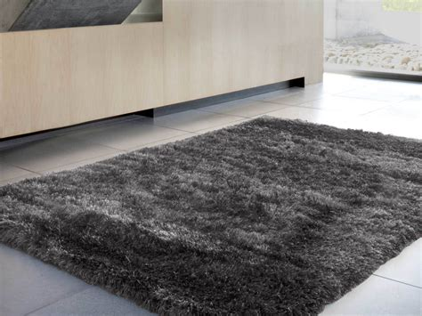nettoyer tapis poils longs awesome les tapis shaggy trs longues mches with nettoyer tapis poils
