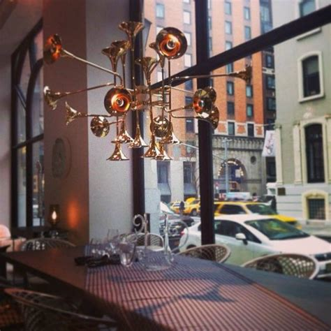 lighting stores nyc ddc minotti luxury contemporary lighting showroom in nyc