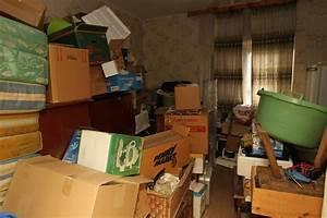 Haus Verkaufen Steuer : wenn der erblasser ein messie war entm llung mindert nicht die steuer n ~ Frokenaadalensverden.com Haus und Dekorationen
